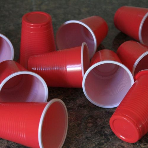 single use plastic cups